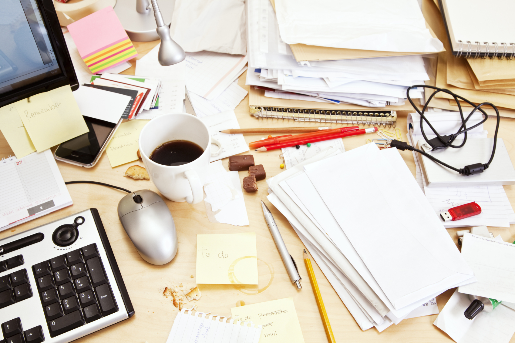 Spring cleaning tips for the office organize4results - Organized work desk ...